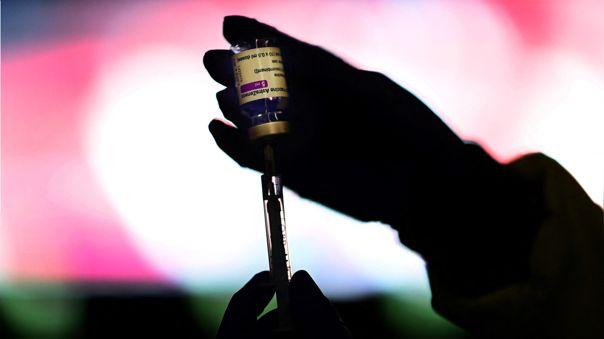 La UE exige ante justicia que AstraZeneca entregue 90 millones de dosis.