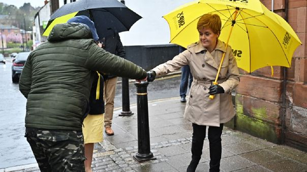 En la nueva fase en Escocia, seis personas de tres hogares diferentes podrán reunirse bajo el mismo techo.