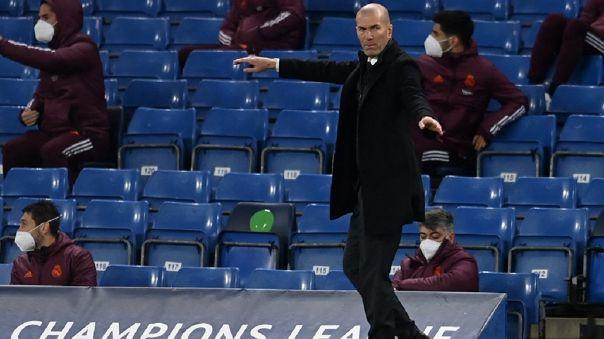 Zinedine Zidane pelea por LaLiga con el Real Madrid