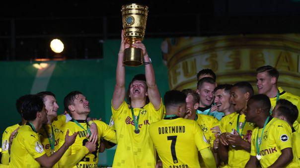 Erling Haaland anotó para que el Dortmund gane la Copa Alemana.
