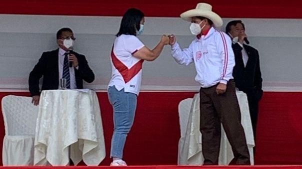 Keiko Fujimori y Pedro Castillo disputan la segunda vuelta.