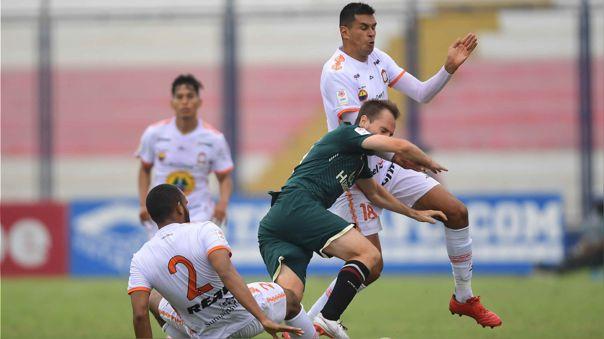 Universitario igualó 3-3 con Ayacucho FC por el Grupo A de la Fase 1