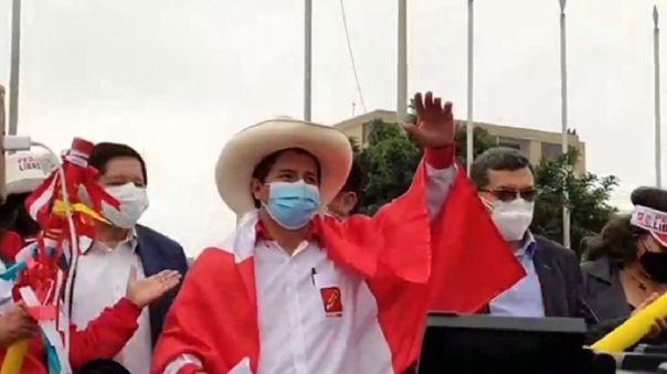 El candidato presidencial de Perú Libre llegó hasta la Plaza Manco Capac esta tarde.