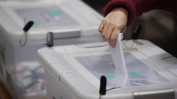 El sábado, más de 3 millones, de los 19 millones de habitantes totales, acudieron a las urnas en la primera jornada de las elecciones.