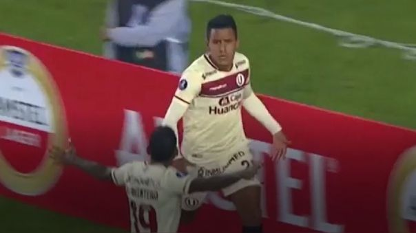 Alex Valera marcó doblete en el Universitario vs. Independiente del Valle.