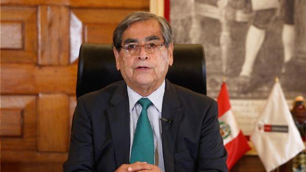 El Ministro de Salud, Óscar Ugarte, fue parte del webinar El país que cuidamos de RPP.