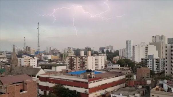 Truenos en Lima