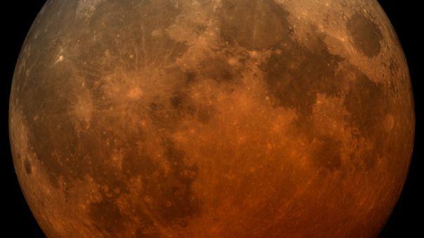 Eclipse lunar y superluna