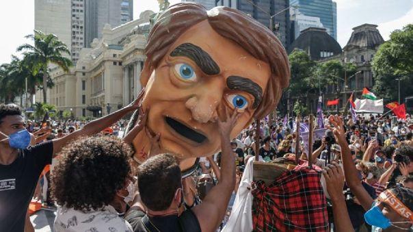 Brasil se levanta contra Bolsonaro