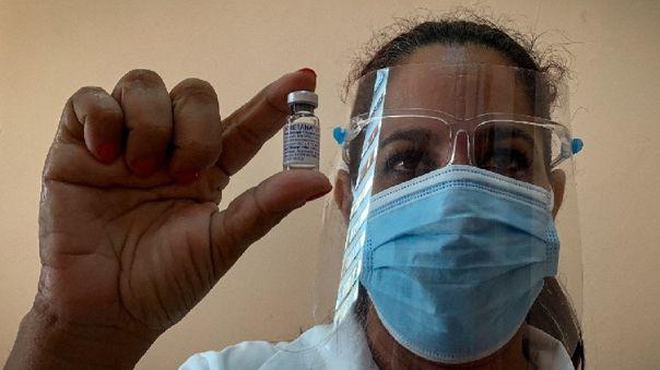 Adicionalmente, Argentina espera la llegada esta semana de un nuevo lote de la vacuna rusa Sputnik V.