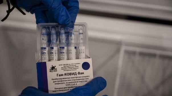 Vietnam importará 20 millones de dosis de la vacuna rusa Sputnik V.
