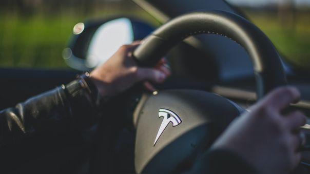 Los Tesla se han convertido en el centro de una serie de contenidos virales temerarios