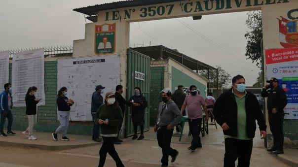 Cédulas marcadas por personero en Carabyllo