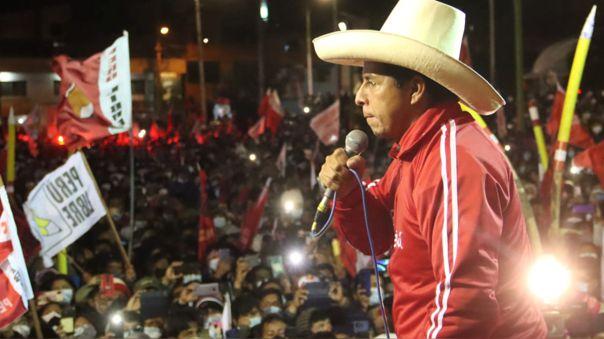 Tras una segunda vuelta muy reñida, Pedro Castillo venció a Keiko Fujimori.