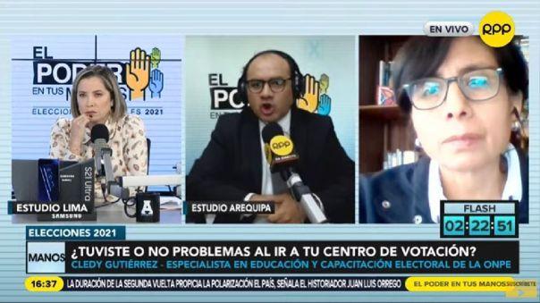 La experta en temas electorales Cledy Gutiérrez explicó el procedimiento para la firma de las cédulas de sufragio.