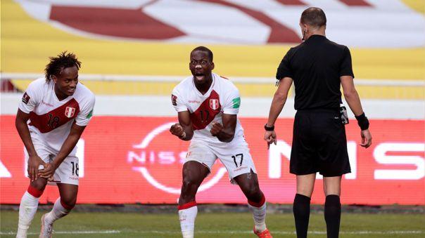 Luis Advíncula y su gol en el Perú ante Ecuador por Eliminatorias Qatar 2022.