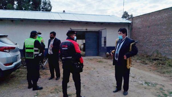 Huancayo: Novios e invitados a