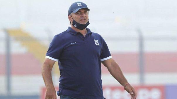 Bustos habló luego de la eliminación de Alianza Lima en la Copa Bicentenario.