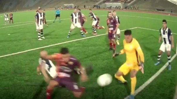 El gol de Andy Pando en Alianza Lima contra Santa Rosa.