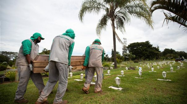 Brasil totaliza 486 272 decesos por COVID-19 desde el inicio de la pandemia.
