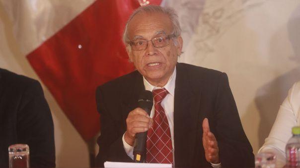 Aníbal Torres.