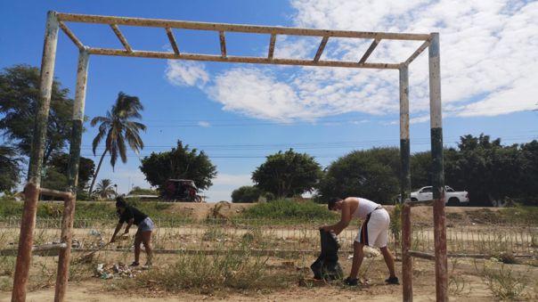 """Piura: Jóvenes de """"Sembrando vidas"""" reforestan avenidas y parques abandonados por las autoridades"""