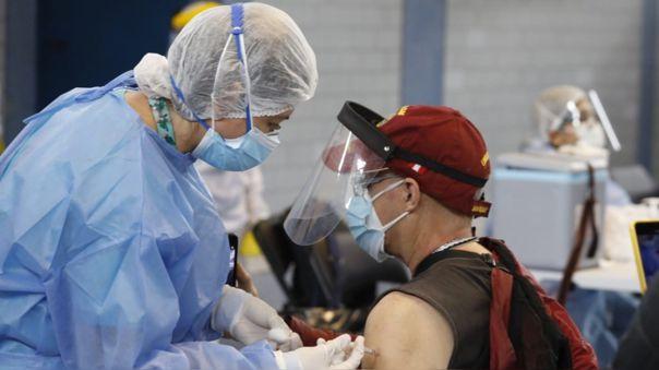 Un total de 2´009 301 personas recibieron la segunda dosis de su vacuna hasta las 14:00 horas del pasado 15 de junio