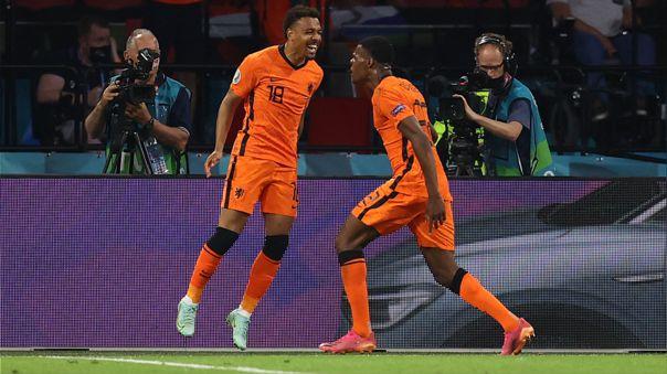Dumfries fue de área a área en el segundo gol de Holanda contra Austria.