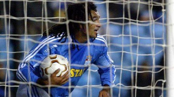 El uruguayo Robert Lima jugó por Sporting Cristal en 2004