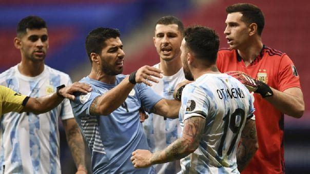 Uruguay perdió 1-0 ante Argentina en su debut en la Copa América 2021