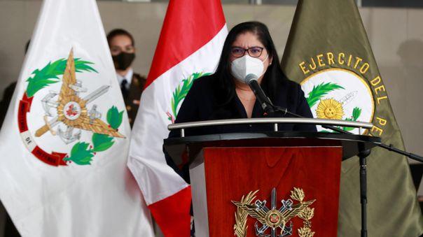 Nuria Esparch, ministra de Defensa.
