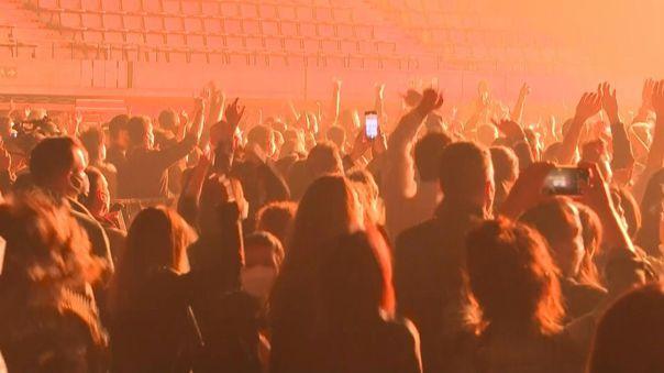 Madrid y Barcelona reabren las discotecas.