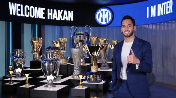 Hakan Calhanoglu ya forma parte del proyecto deportivo del Inter de Milán.