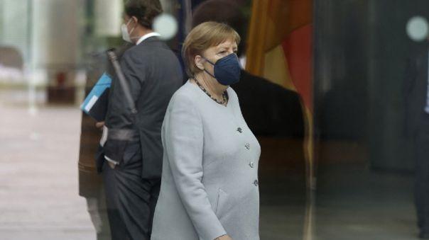Angela Merkel fue vacunada contra la COVID-19.