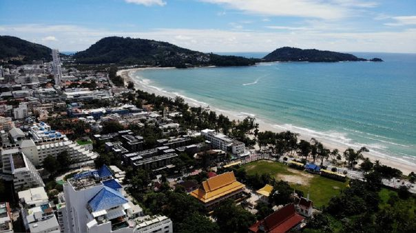 Isla de Phuket reabrirá sus puertas a turistas.