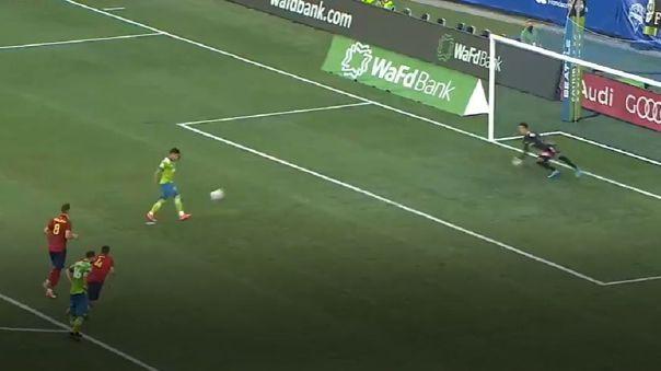 Raúl Ruidíaz anotó su octavo gol en lo que va de la MLS.