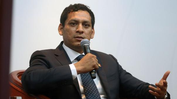 """Luis Valdez califica de \""""exceso\"""" la orden del Poder Judicial para suspensión de la elección de miembros del TC"""