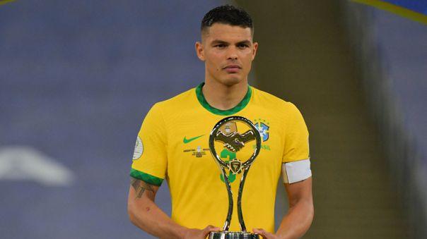 Thiago Silva recibió el premio al fair play para Brasil en la Copa América 2021.