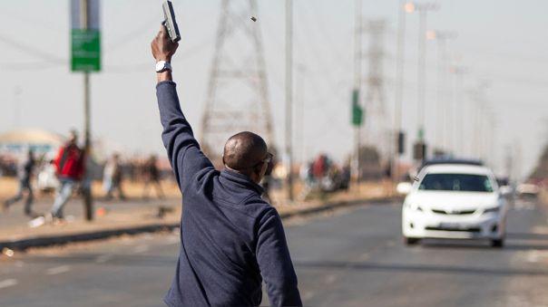 Los saqueos golpearon las cadenas de distribución y el transporte, especialmente en la provincia sureña de KwaZulu-Natal, de Zuma.