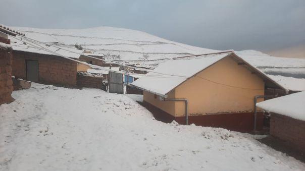 En Puno las temperaturas bajaron hasta los 15 grados bajo cero.