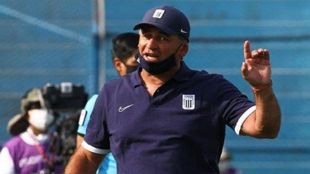 Carlos Bustos entrenador de Alianza Lima