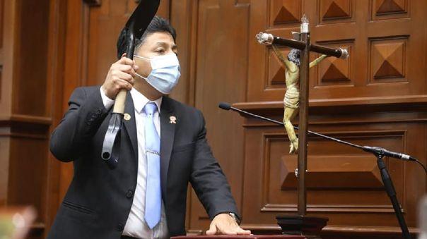 Congresista electo Raul Doroteo