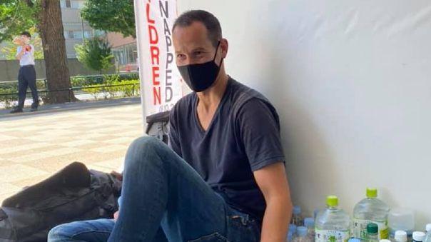 Vincent Fichot, de 39 años, afirma que sus dos hijos fueron secuestrados por su madre japonesa