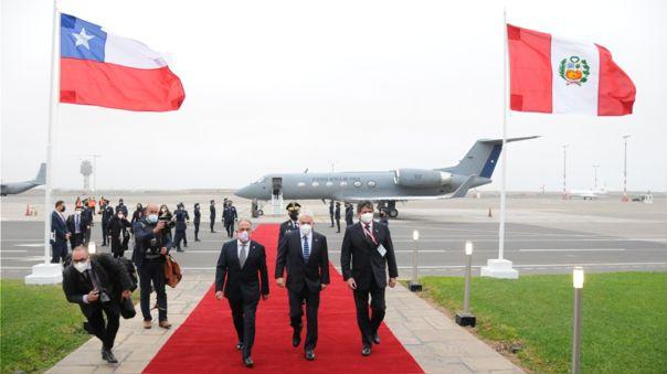 Sebastián Piñera llegó a bordo de un avión de la Fuerza Aéra de Chile.