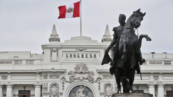 Las legisladoras pidieron al presidente que el Bicentenario debe iniciar con un mensaje de compromiso con las mujeres del país.