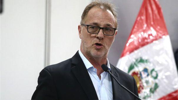 El alcalde de Lima pidió al presidente Pedro Castillo deslindar de posiciones radicales.