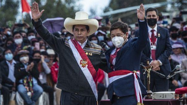 Pedro Castillo tomó juramento a Guido Bellido en Ayacucho.