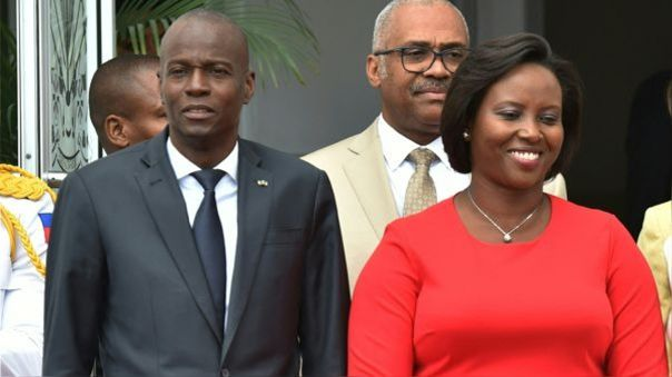 Jovenel Moise en una aparición pública junto a su esposa Martine Moise