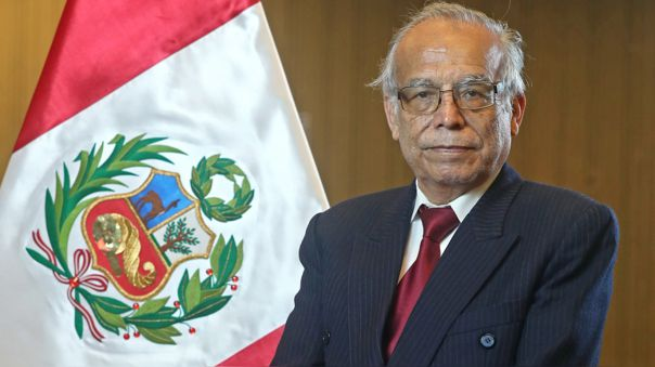 Anibal Torres juró la noche del viernes como ministro de Justicia y Derechos Humanos.