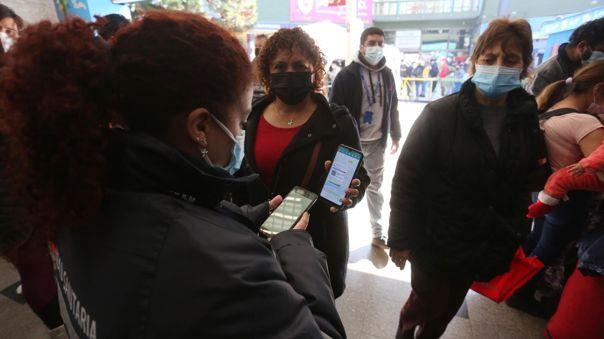 Chile confirma cuatro casos de transmisión comunitaria de la variante delta